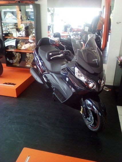 Maxsym Scooter Com Design E Desempenho Surpreendentes