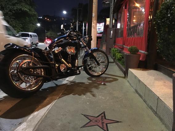 Harley Davidson Costumizada883 Sportster Chopper.