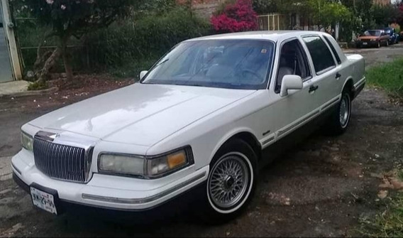 Lincoln Town Car Signure Piel At 1997