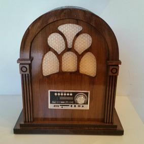 Rádio Artesanal Retrô Capelinha De Madeira, Mdf,relógio, Usb