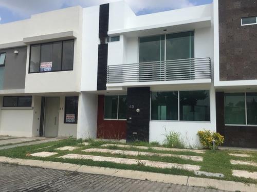 Casa En Venta Casa Fuerte En Tlajomulco De Zuñiga En Avenida Casa Fuerte