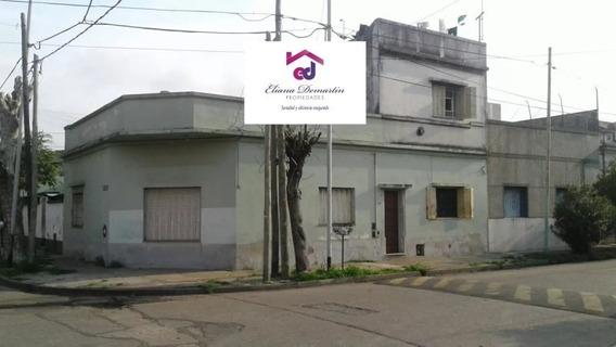 Gerli, Avellaneda. Venta De Casa Para Dos Familias, De 2 Y 3 Ambientes. A Refaccionar.