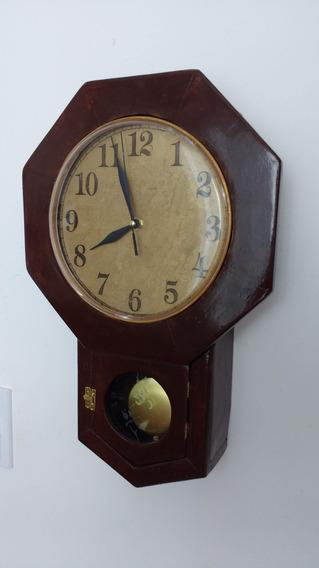 Relógio Artesanal, Feito Com Madeira Reciclada