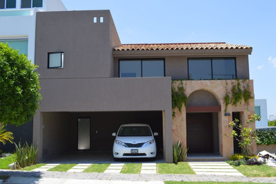 Preciosa Casa Nueva Inmejorable Ubicación Lomas Uno