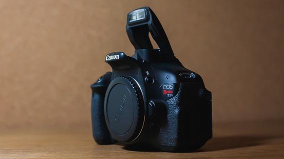 Canon T3i + Carregador E Bateria Original