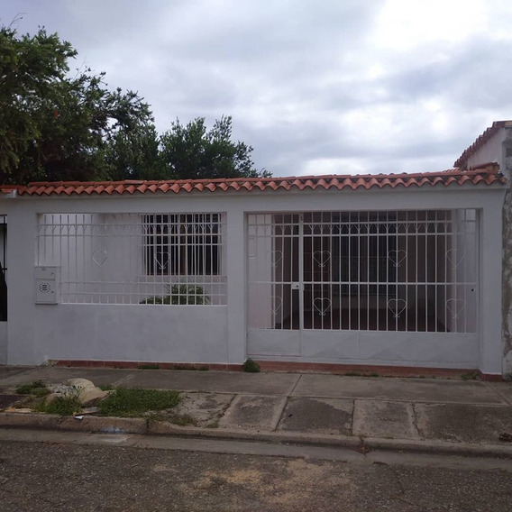 Casa En Las Quintas De Naguanagua. Cod: Lemc-286