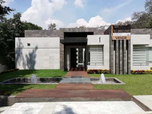 Residencia Con Alberca En Club De Golf Valle Escondido.