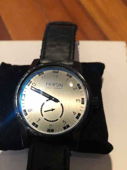 Relógio Nixon Novíssimo Pulseira De Couro