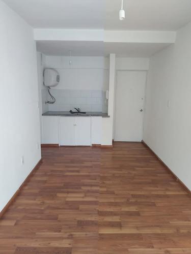 Apartamento En Alquiler De 1 Dormitorio En Cordón