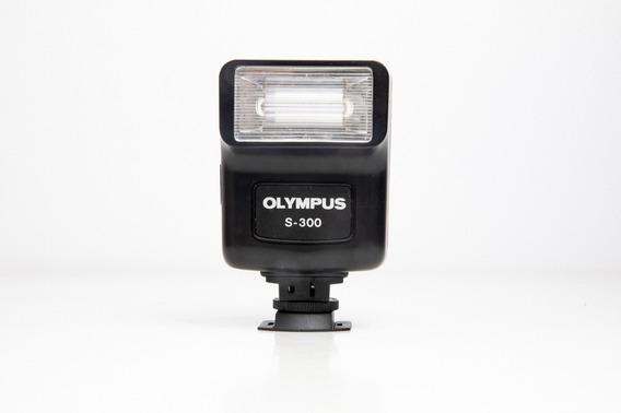 Flash Olympus S-300