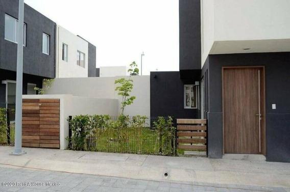 Casa En Renta Amueblada - Juriquilla Santa Fe