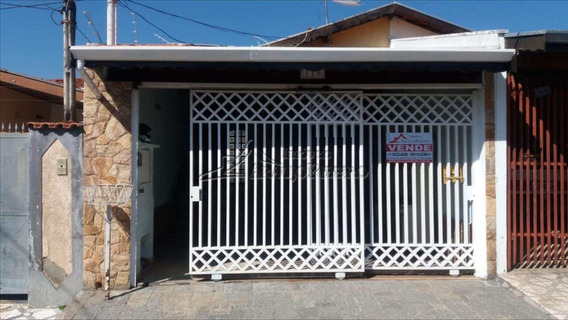 Casa Com 2 Dorms, Vila São José, Taubaté - R$ 320 Mil, Cod: 1567 - V1567