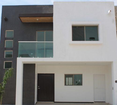 Venta De Residencia Con 4 Fachadas Diferentes.