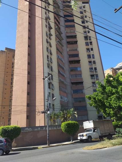 Apartamento En Venta Rsd El Centro 04243745301