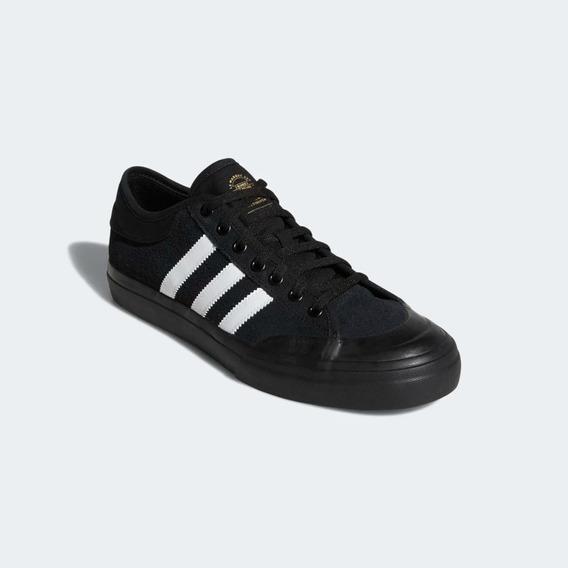 Zapatillas adidas Matchcourt Negras