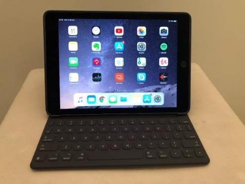 iPad Pro 128gb Wi-fi Tela 9,7 + Teclado + Case Silicone