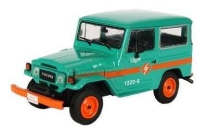 Imagem 1 de 7 de Coleção Veículos De Serviço - Toyota Bandeirante Light - Rj