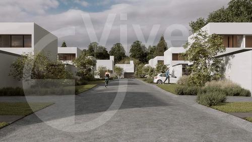 Casa 3 Dormitorios, Housing La Carolina Village - Venta
