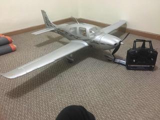 Avión Rc Ala Baja Dynam Sr22 Rtf