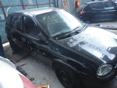 Chevrolet Corsa Hatch 4 Portas 1.6 8v Gl ((((( Sucata )))))