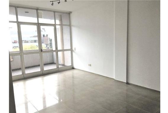 Departamento 3 Amb /terraza/ Parrilla Ramos Mejia