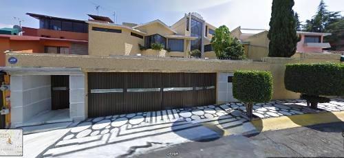 Hermosa Casa De Remate Hipotecario En Zona Privilegiada