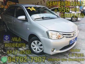 Toyota Etios Sedan Xs Sem Entrada + 950 Mensais Completo