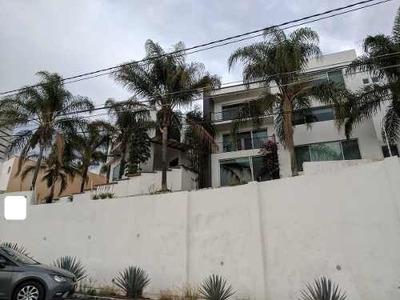 Oportunidad Casa Amplia Con Alberca Y Vista En Loma Dorada