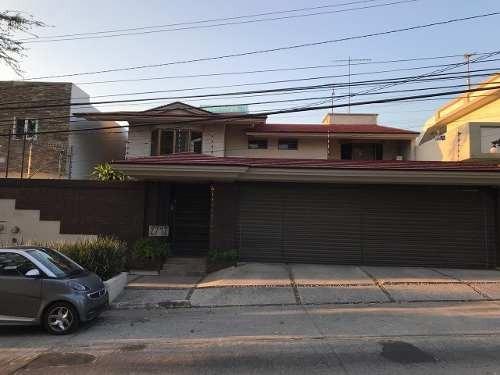 Casa En Venta En Providencia En Guadalajara, Jalisco