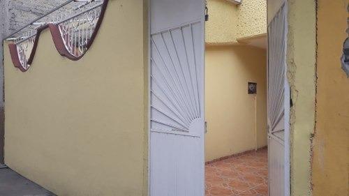 Casa Sola En Calle De Andador, A 10 Minutos Del Metro Iztacalco
