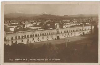 Mexico D.f. Palacio Nacional Con Los Volcanes