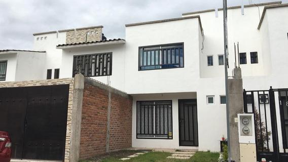 Casa En Venta Fracc. Valle Real Salida A León Irapuato Gto