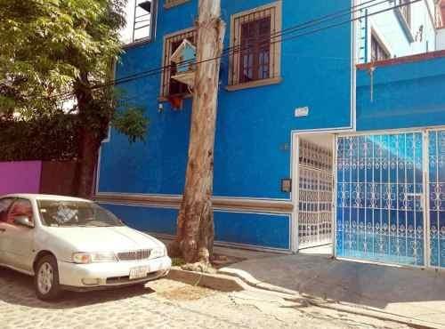 San Miguel 26, Barrio San Lucas, Coyoacan.