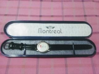 Reloj Montreal -publicidad- C/estuche - 24 X 4,5 X 1,3 Cm.