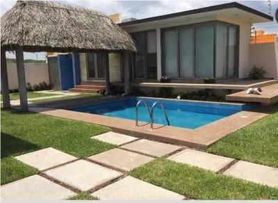 Residencia En Venta Con Alberca, Playas Del Conchal, Veracruz