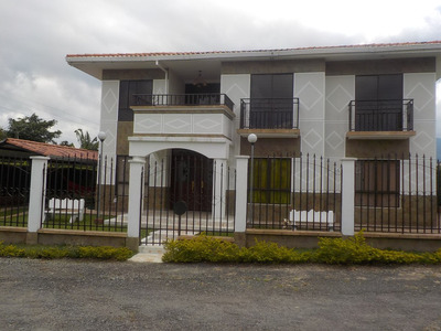 Vendo Casa Conjunto Campestre Via La Bella Quindio