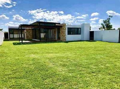 Residencia De 1 Planta En Exclusiva Privada, Alto Viento Temozón Norte.