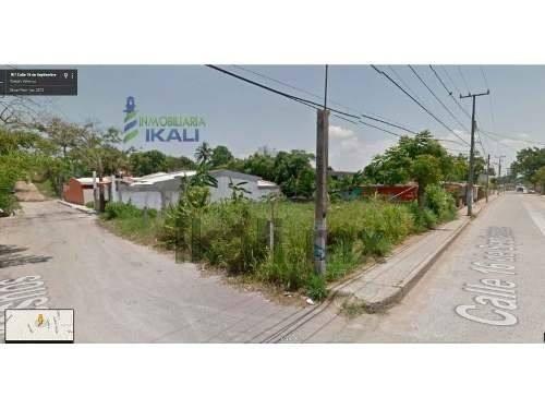 Terrenos En Renta En Tuxpan De Rodriguez Cano, Bonito Terreno De 612 M² Ubicado En De La Calle 16 De Septiembre Esquina Con La Calle Fresno De La Colonia Anahuac, Cuenta Con Pozo, Los Servicios Públi