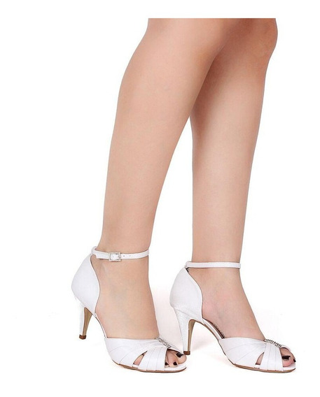 Sandália Com Enfeite Em Strass Noivas Spaço Branco