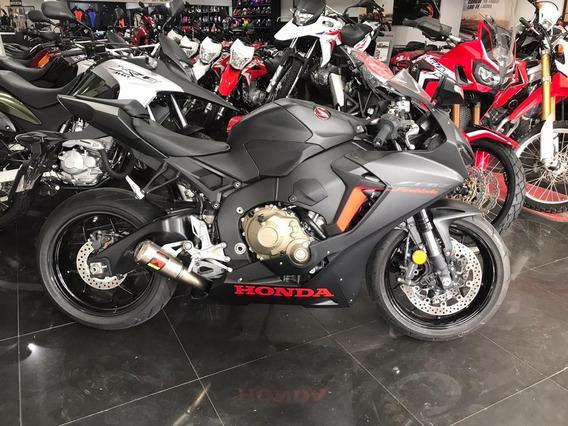 Honda Cbr1000rr 2018 Con Akrapovic 2687km Performance Bikes