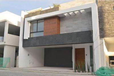 Oportunidad: Hermosa Casa En Lomas De Angelópolis