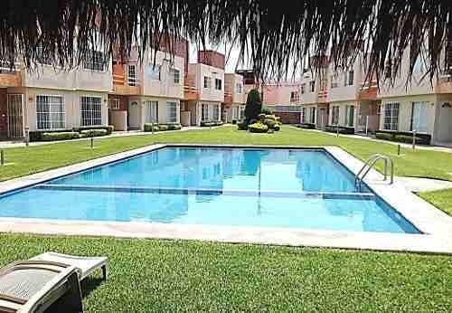 Bonita Casa, 2 Recs, Baños, Auto, Alberca, Vig, Balcon