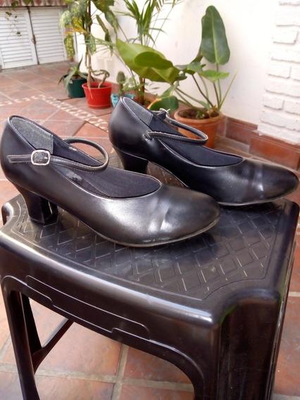 Zapatos De Jazz Y Folklore