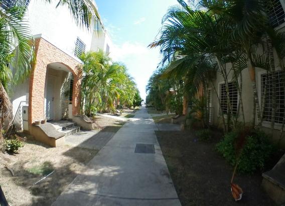 Casa E Vende Tarabana Plaza Cabudare 20-6546 J&m 04120580381