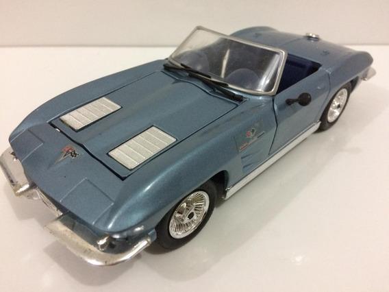 Miniatura Chevy Corvette Roadstar 1963 1/24 Revell