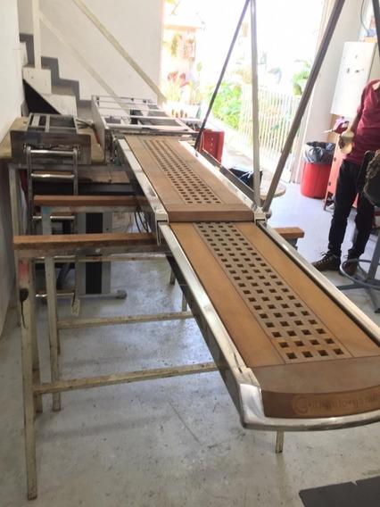 Conj Passarela Hidráulica E Escada Embutida Poddium Náutica