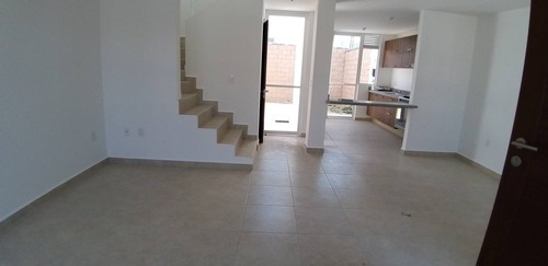 Casa En Renta Paseo De Lavandas, Fraccionamiento Zakia