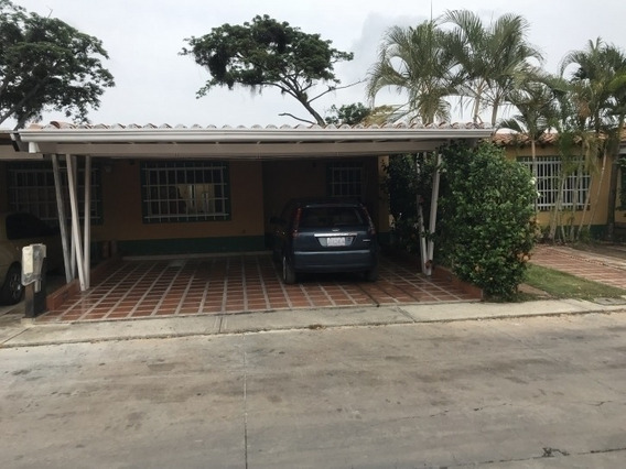 Casa En Venta Eucaris Marcano 04144010444 Cod:383015