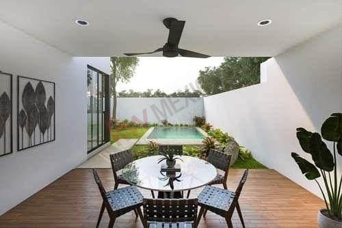 Casa En Venta En Cholul Privada Con Alberca Con Seguridad 24/7 , Mérida Yucatán