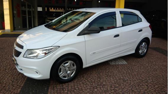 Chevrolet Onix Ls 1.0 2013 Completo Otimo Estado